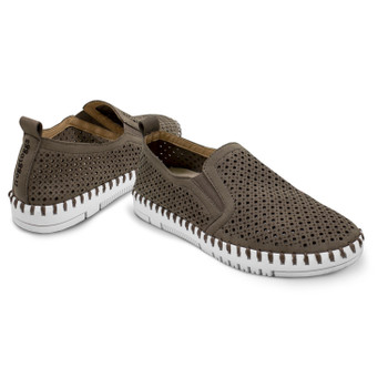 Women's Travelers Slip-On Shoe